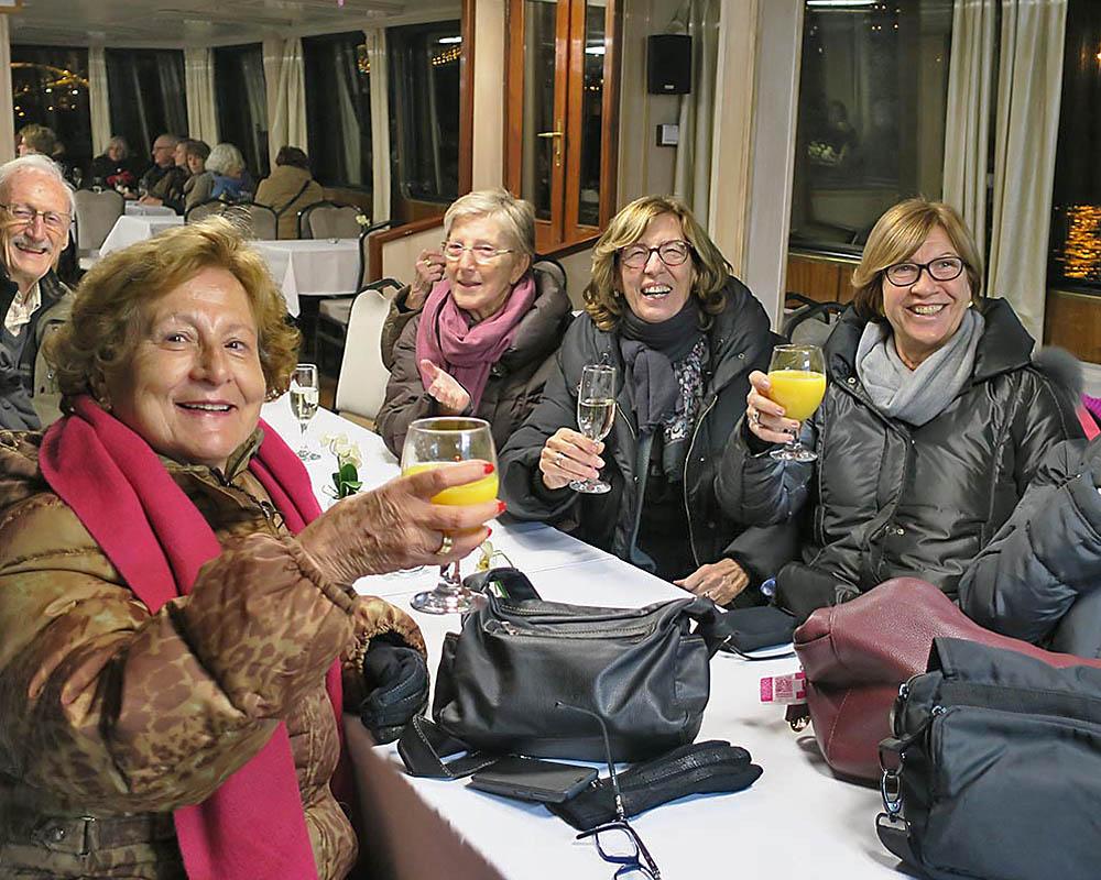 Viatges en grup, escapada a Budapest, decembre 2016, passeig en vaixell pel Danubi, Mitic Viatges