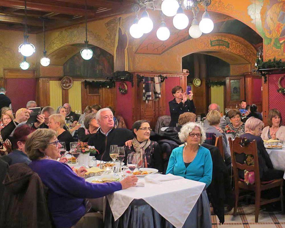 Viatges en grup,tot inclòs, sopar temàtic Budapest, gastronomia, tot inclòs, folklore, cultura, Mitic Viatges