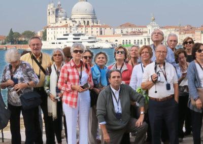 Viatges en grup,Venècia,  Santa Maria de la Salute, viatge cultural i musical , foto grup, Mitic Viatges
